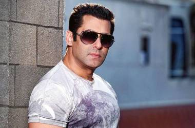 bollywood-red-salman-khan-6