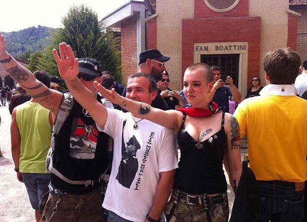 """Nazi rocker canta al parco della Resistenza, il sindaco: """"Non lo sapevo, un'indecenza"""""""