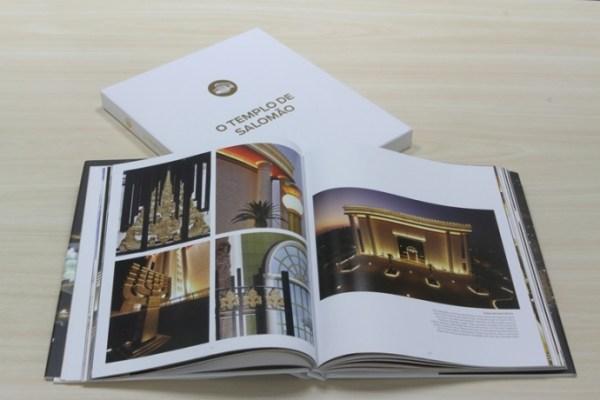Livro comemorativo do primeiro ano do Templo de Salomão.