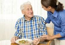 elderly caregiver cuidador interno adulto mayor