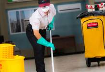 cleaning-operator-industrial-cleaning operaria-de-limpieza-industrial-_edited