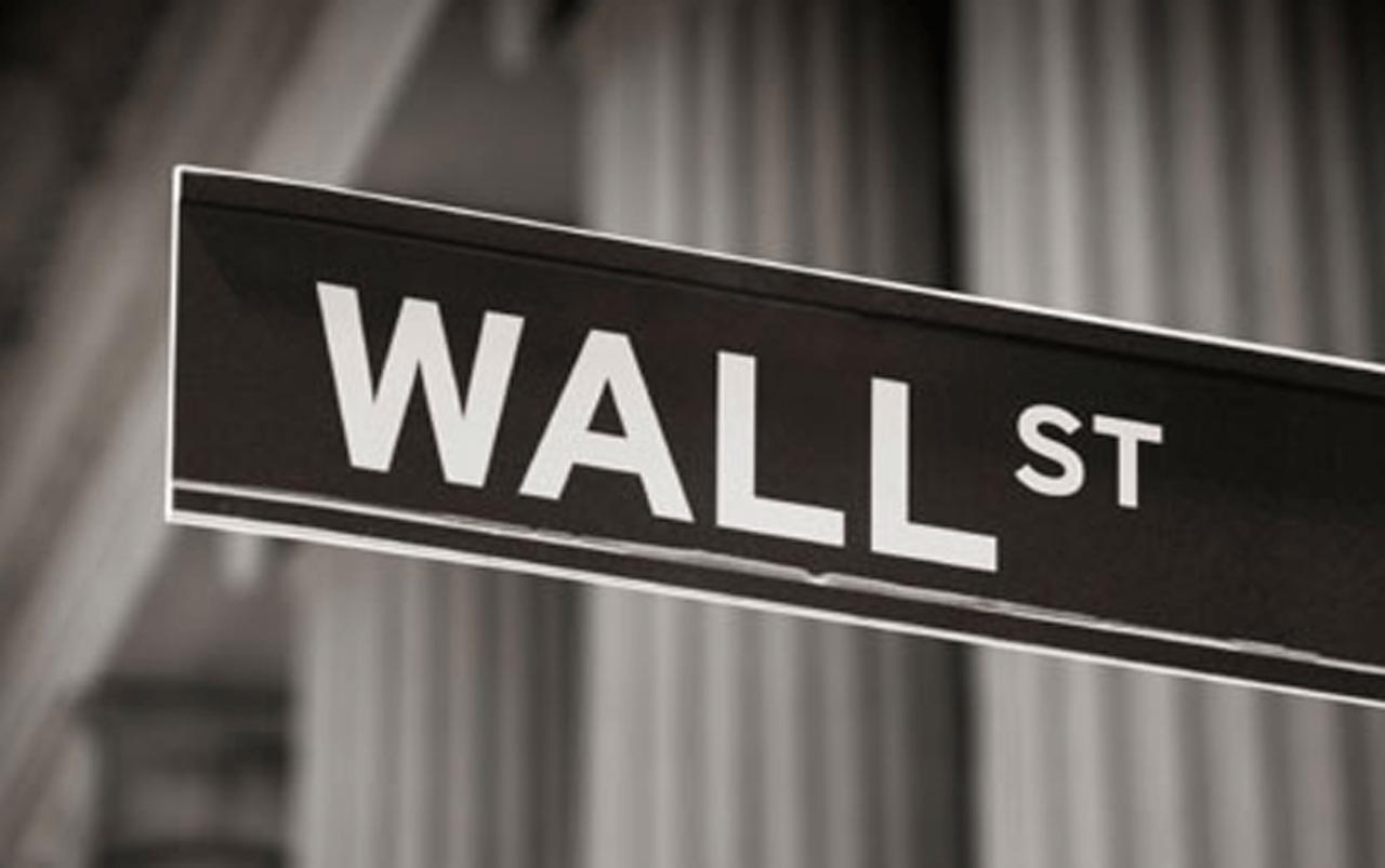 El Dow Jones cae por debajo de los 16.000 puntos