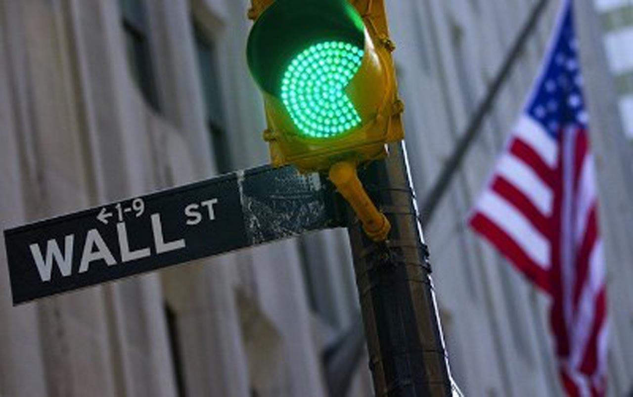 Wall Street culmina en verde