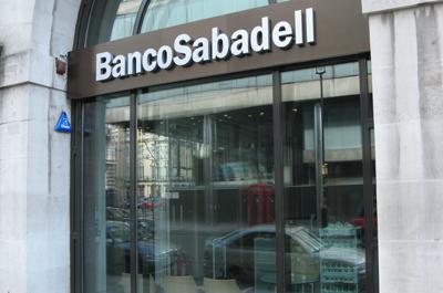 Banco Sabadell relaciona los bonus con la satisfacciu00f3n del cliente