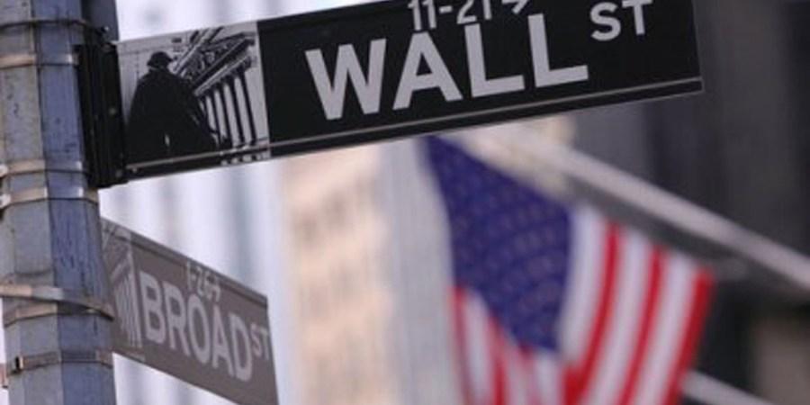 Desplome generalizado al cierre del lunes en Wall Street