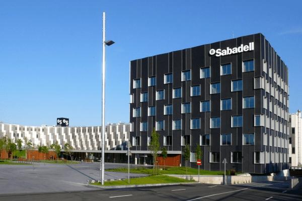 Banco Sabadell cerrará 53 sucursales en noviembre