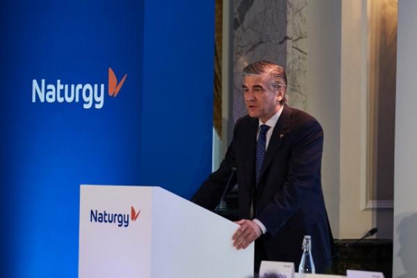 Naturgy apuesta por nuevas soluciones en pro de carreteras limpias y eficientes