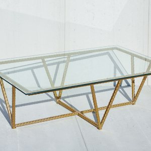 Bolster-Vigor-Table-Where-Sustainability-and-Function-Meet