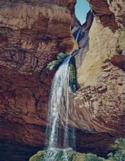 布鲁斯·爱肯笔下的彩带瀑布