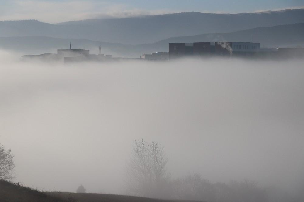 Bolu kent merkezinde sis etkili oluyor