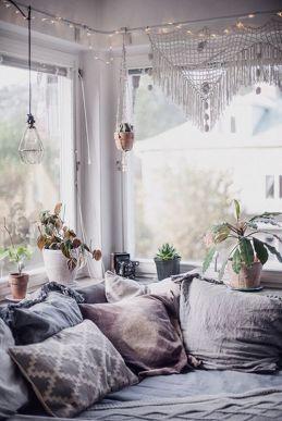 Quelques plantes, des coussins et un peu de crochet, il ne m'en faut pas plus pour créer une ambiance bohème soft