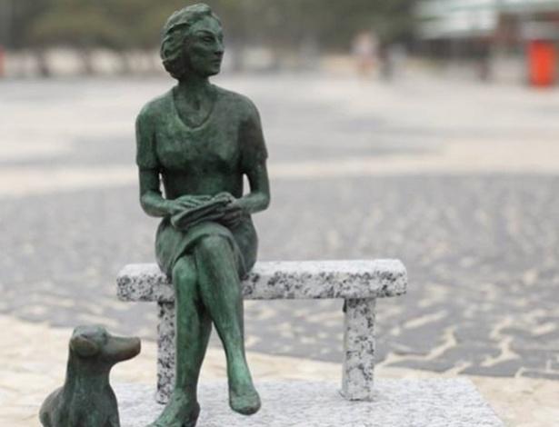 maquete-da-futuro-escultura-da-escritora-clarice-lispector-que-sera-inaugurada-no-leme-1436468902481_615x470