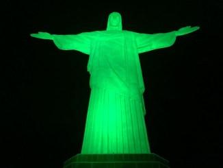 Campanha Maio Verde e agência E4 possibilitaram ação da Acelbra-RJ em noite especial no Cristo Redentor, no Rio de Janeiro