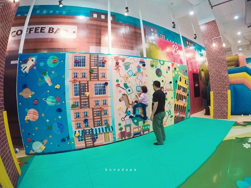 Mini Wall Climbing Kidzilla Palembang Trade Center