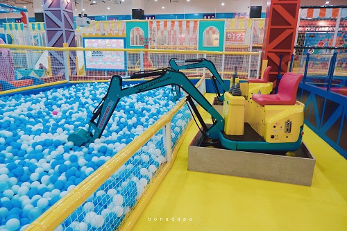 Eskavator Mini Kidzilla Palembang Trade Center