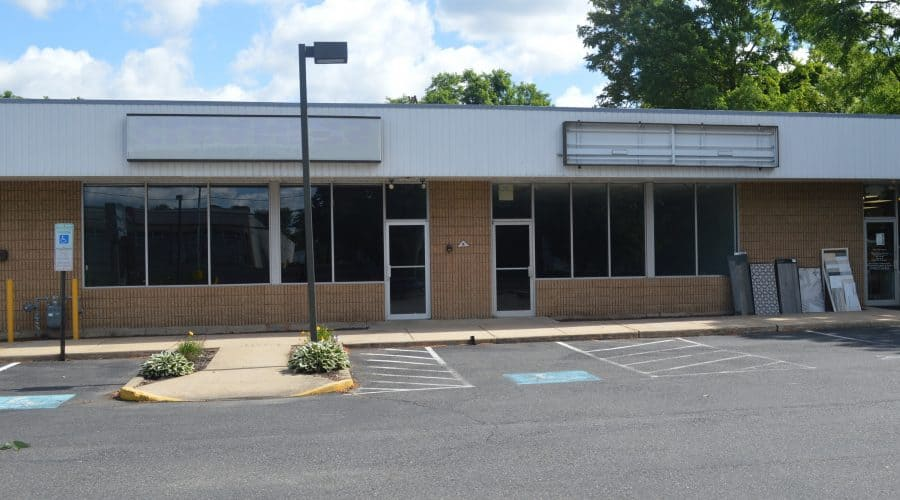 1710 kuser road retail office for lease join sherwin williams and the tile shop