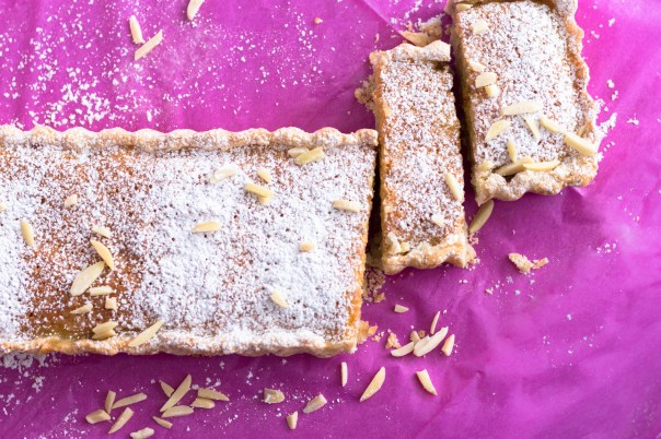 Banana almond tart