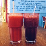 Raspberry & mango smoothie / Blueberry & ginger smoothie