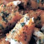 Peşte pane cu parmezan, capere şi pătrunjel