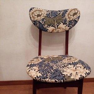 (Vintage chair)ヴィンテージチェア / (William Morris)ウイリアムモリスの生地に張替えたキッチンチェア