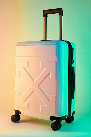 スーツケースの亀裂やヘコミ修理時の塗装におけるご注意点
