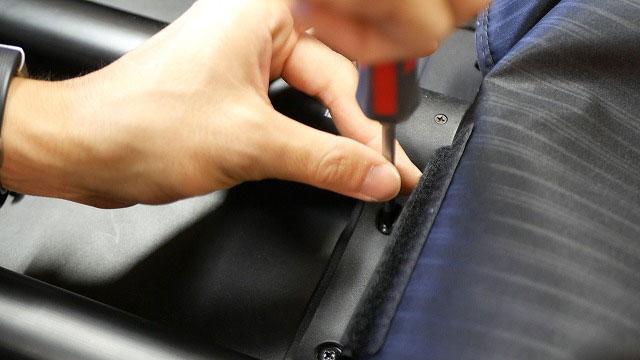 (TUMI)トゥミ / ビジネスキャリーバッグの引っ張りハンドルを取り外す