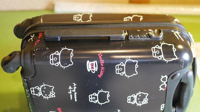 (HELLO KITTY)ハローキティー/スーツケースの横に持ち手を新たに付ける