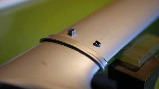 (TUMI)トゥミ/キャリーバッグの伸縮ハンドルを解体する