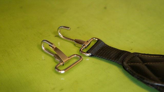 (Titleist)タイトリスト/キャディバッグのショルダーベルトの金具破損修理