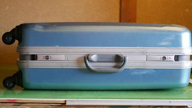 (World Traveler)ワールドトラベラー/スーツケースのTSAロックを左右セットで取替