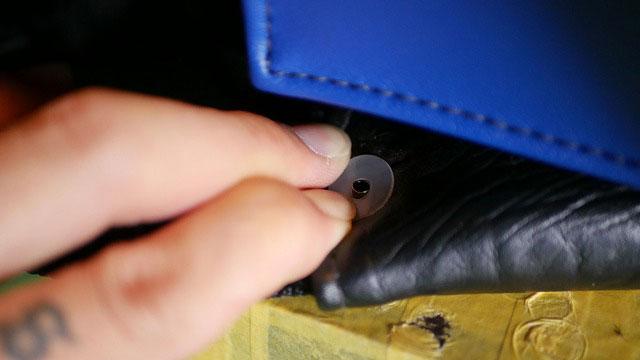 (BELDING)ベルディング/キャディバッグのハンドルカシメが抜けにくいようにワッシャーで穴補強