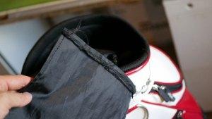 (JGA)日本ゴルフ協会/キャディバッグの中仕切り布が外れてクラブに絡まる