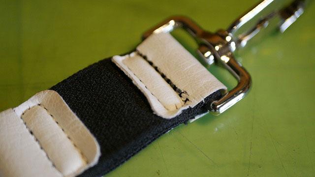(BELDING)ベルディング/キャディバッグのショルダーベルトに付いているゴムベルトの表革切れ