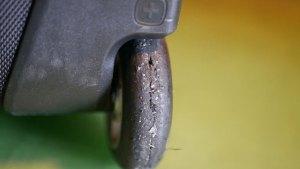 (SWISSGEAR)スイスギア/キャリーバッグの車輪ゴムタイヤ劣化