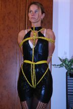 Pretty Russian Amateur in Latex Gets Tightly Bound at Home for Fun