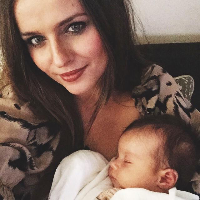 irina_bond_baby_selfie