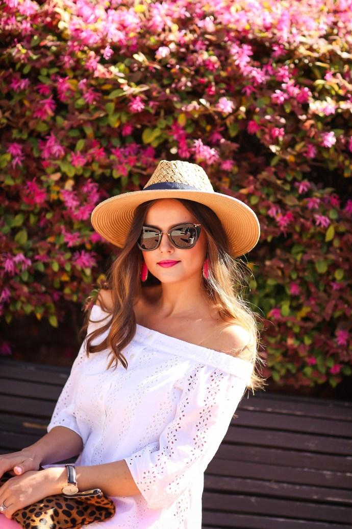 #OOTD // Off-the-Shoulder Eyelet & Pink Skinny Jeans | BondGirlGlam.com