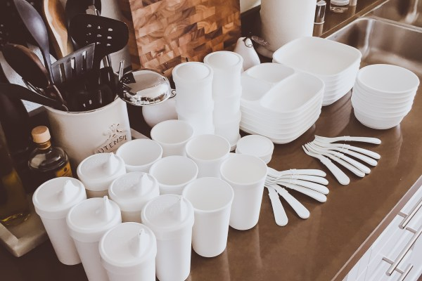 All-White Baby & Toddler Plastic Tableware | BondGirlGlam.com