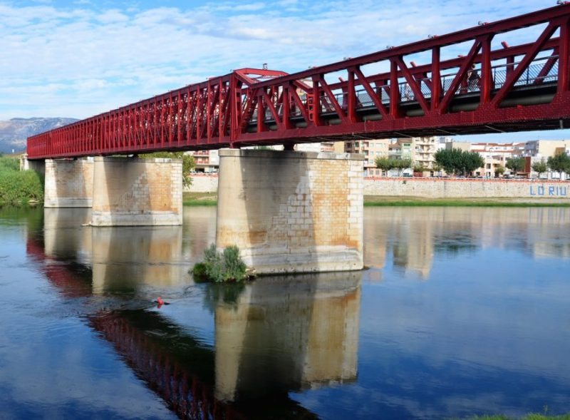 Rood | Rode travelpics Tarragona | Vandaag is rood | red travelpics | Rode reisfoto's | Red | Rojo