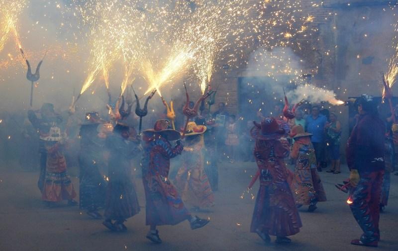 Kinder correfoc Montblanc | Tarragona met tieners | Costa Dorada met kinderen | Tarragona met kinderen| Familievakantie Costa Dorada |