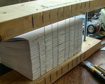 Шитьё книги на швальном станке - Большой книжный блок