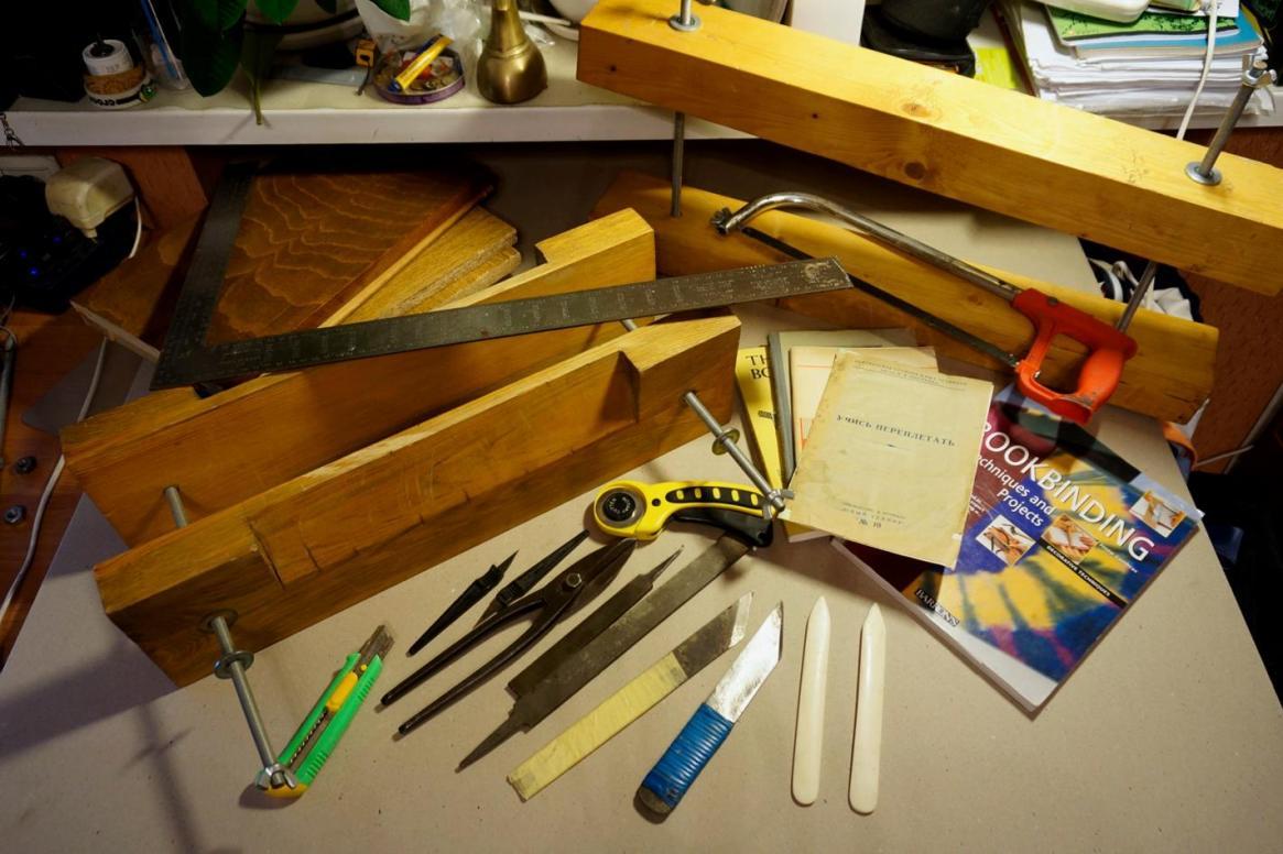 Инструменты для переплётного дела. Фото: Stepan.ru