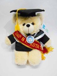 boneka wisuda puffy bear nama di selempang wisuda 7