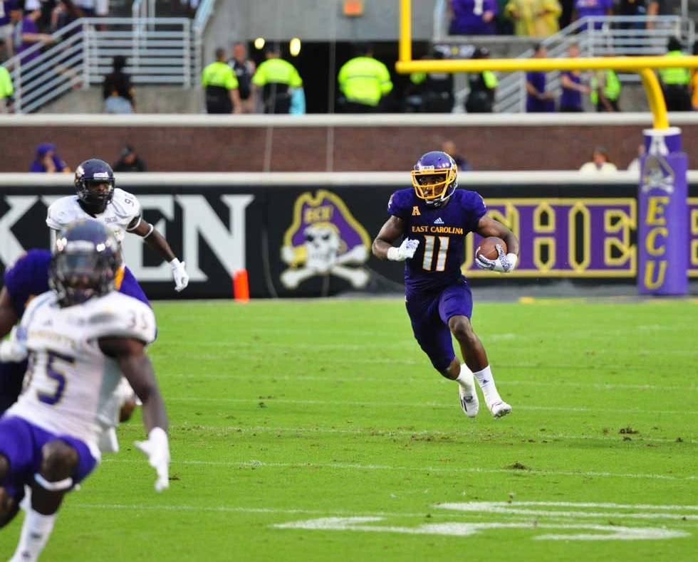 james-summers-runs-in-open-space-against-the-catamounts_-the-versatile-talent-rushed-for-95-yards-on-10-carries_090316_980x790