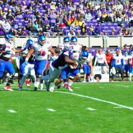 Fred Presley sacks SMU quarterback Ben Hicks on the first possession of the game. (Bonesville Staff photo)