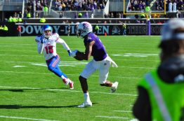 Zay Jones runs after the catch on the Pirates' first scoring drive. (Bonesville Staff photo)