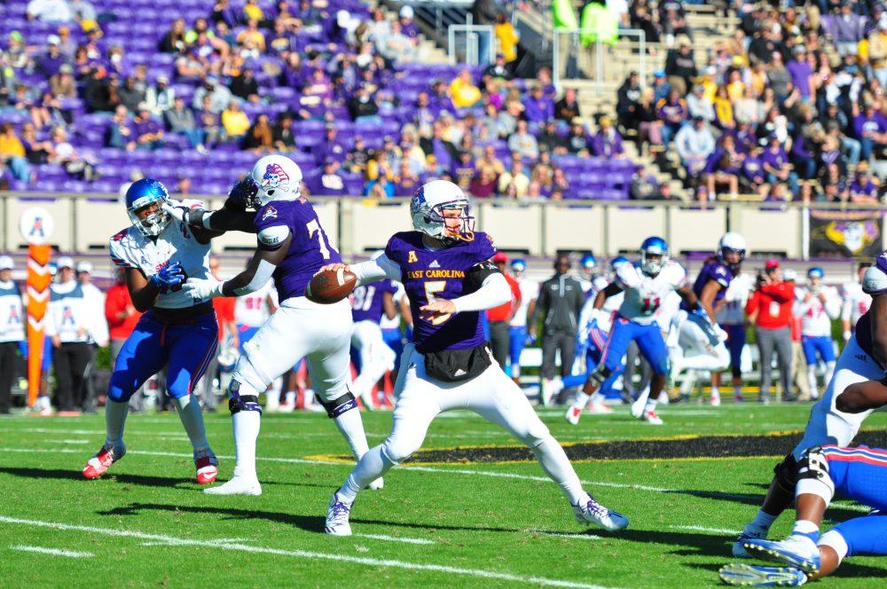 Gardner Minshew played quarterback in relief of starter Philip Nelson on Saturday. (Bonesville Staff photo)
