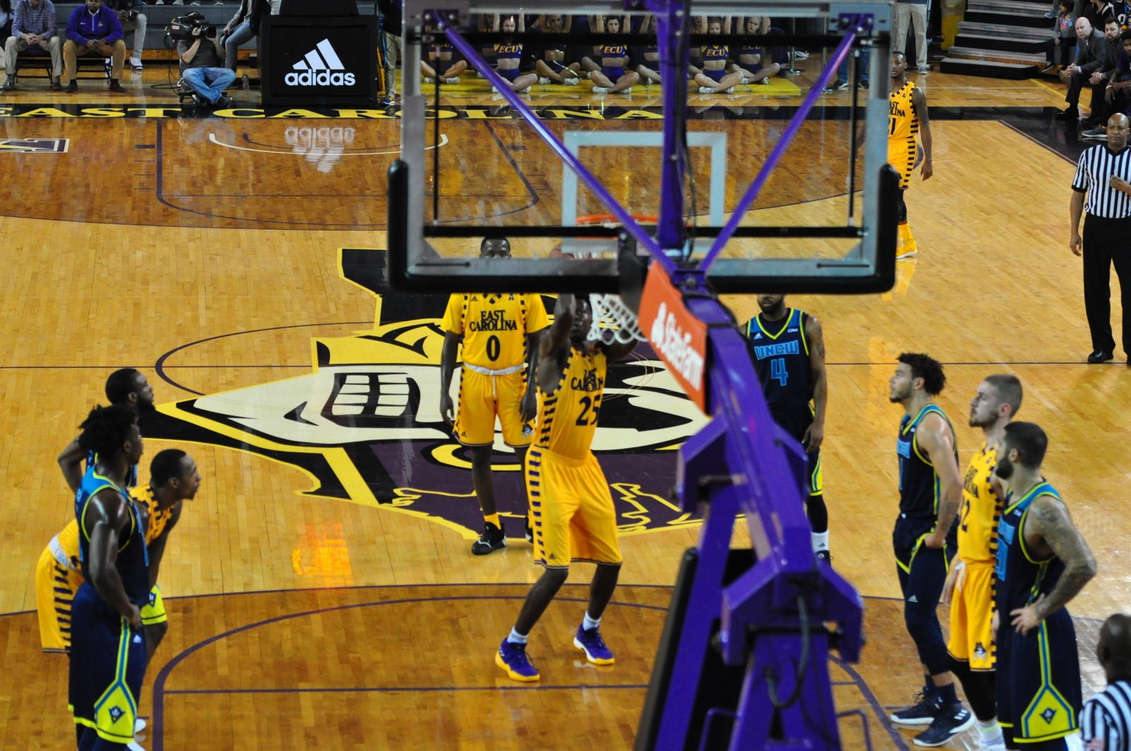Jabari Craig gets the Pirates on the board from the line. (Photo by Al Myatt)