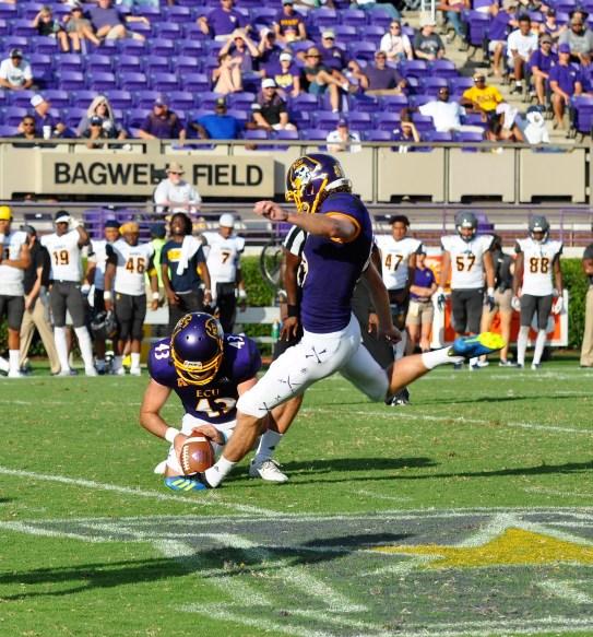 Jake Verity kicked field goals of 22, 35 and 22 yards on Sunday. (Photo by Al Myatt)