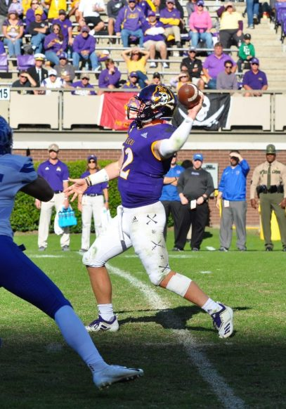 True freshman Holton Ahlers hits Tyler Snead for a 13-yard touchdown. Ahlers threw for 449 yards and three scores. (Photo by Al Myatt)